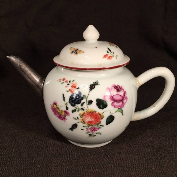 James Giles Decorated Chinese Export Teapot
