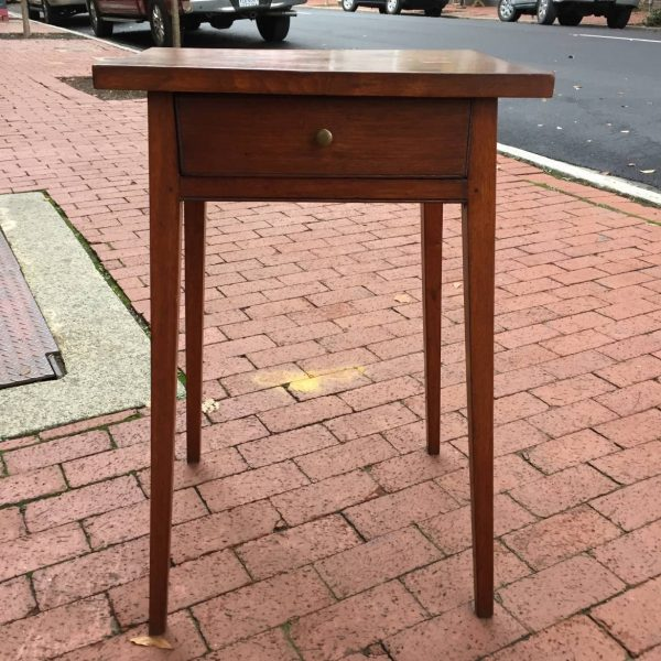 Walnut Splay Leg Country Hepplewhite Stand