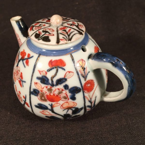 Small Chinese Tea Pot in Imari Colors