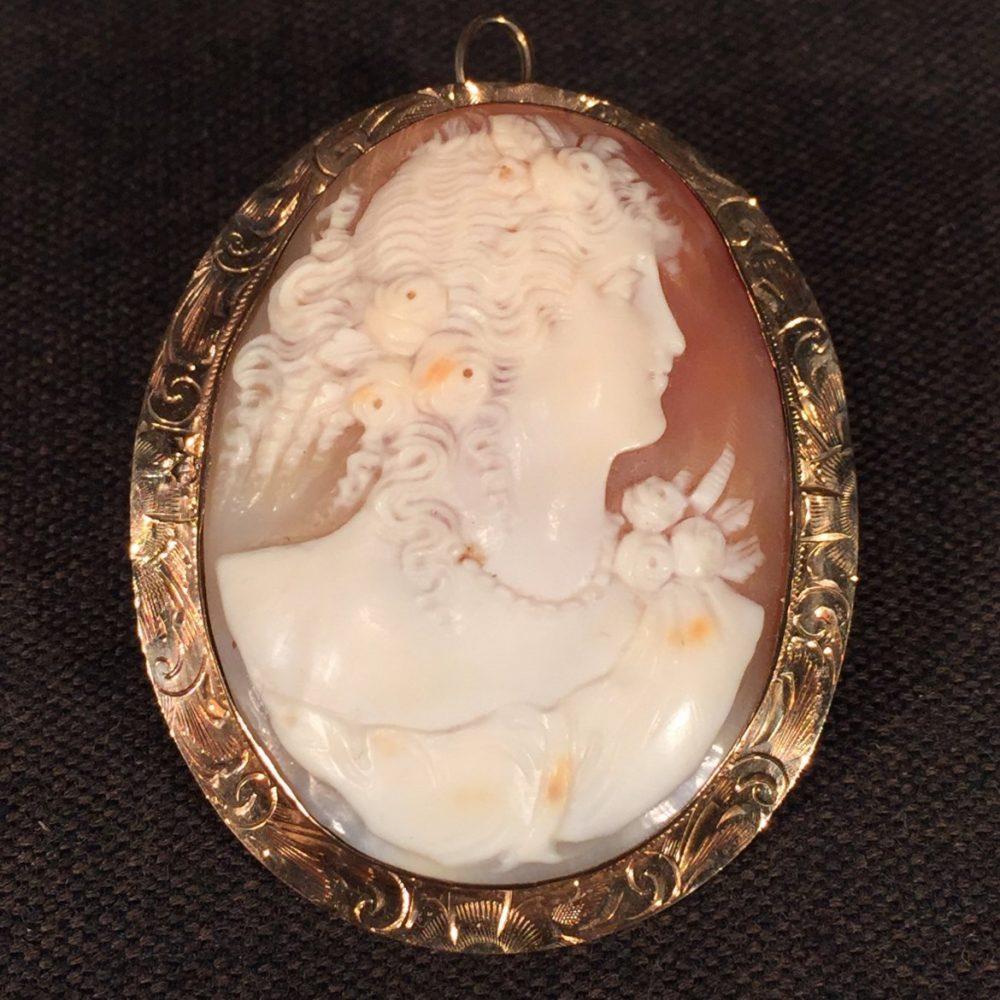 Fine Victorian Cameo Brooch/Pendant