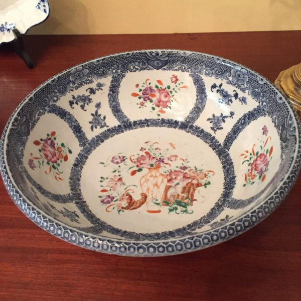 Chinese Export wash basin. Sold to Mt. Vernon for use in one of the bedrooms.