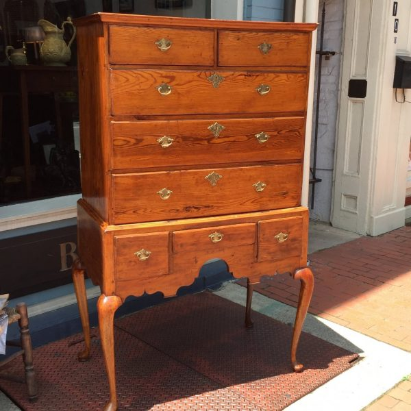 A rare Southern Queen Anne Hiboy of typical New England form but entirely of Southern yellow pine with soft maple legs. Probably Norfolk. Now in a private local collection.