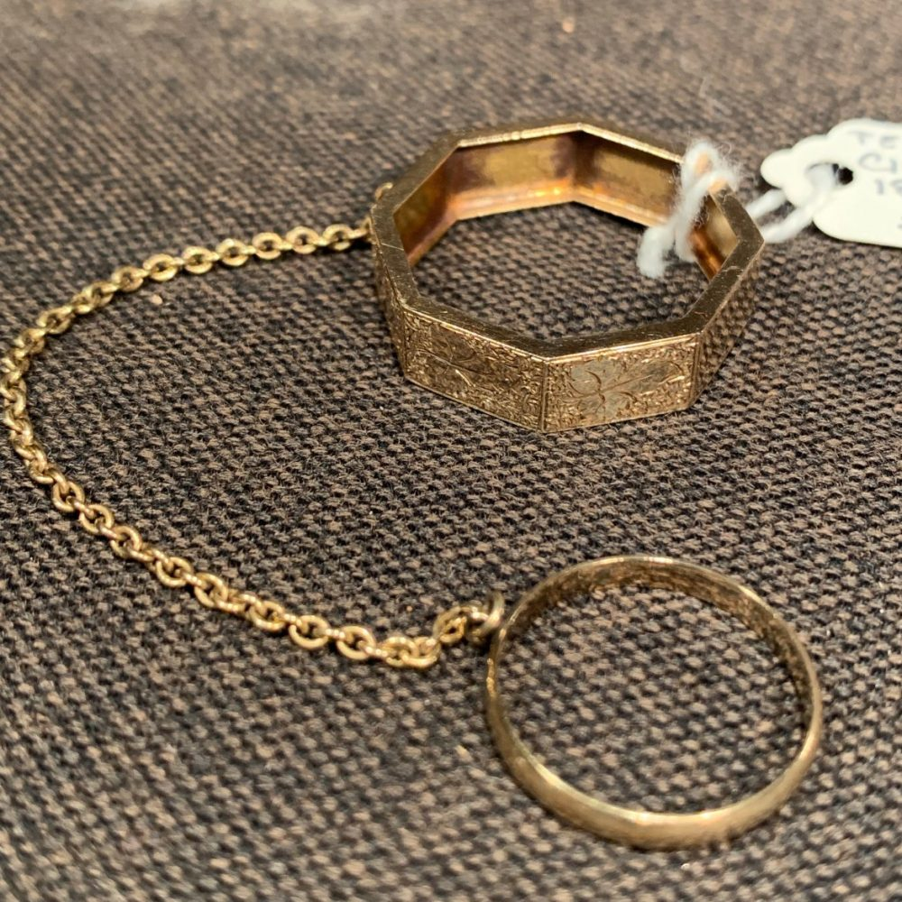 Victorian Gold Handkerchief Mourning Ring