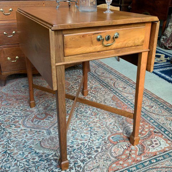 Pennsylvania Walnut Marlborough Foot Pembroke Table