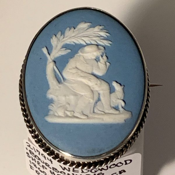 "Wedgwood Cameo Brooch ""The Bourbonnais Shepherd"""