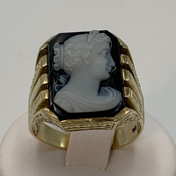 Gentleman's Gold and Onyx Cameo Ring
