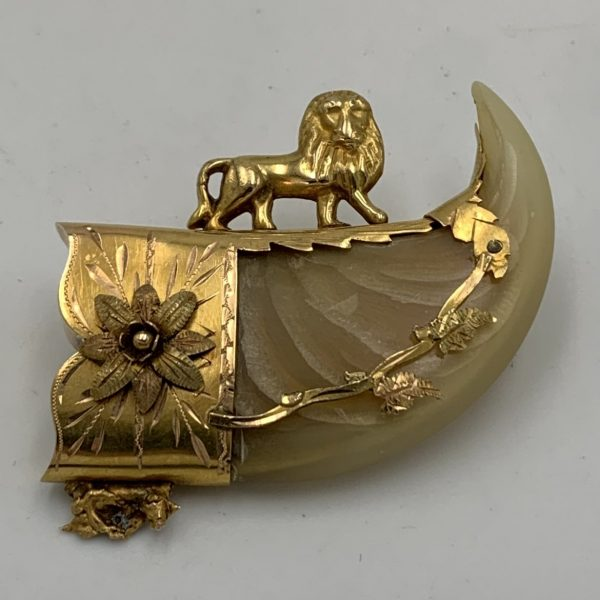 """Indo-Persian Gold Mounted """"Large Cat"""" Claw Brooch"""