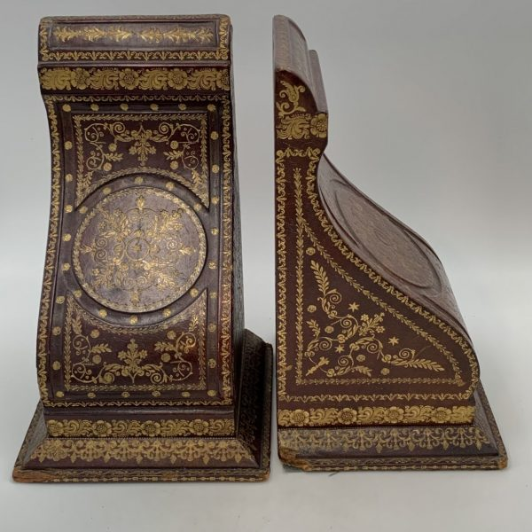 The Most Elegant Italian Leather Bookends