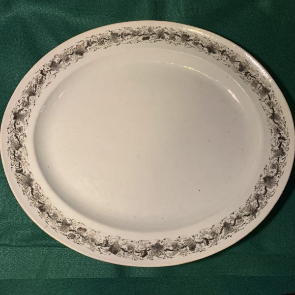 Large En Grisaille Chinese Export Platter
